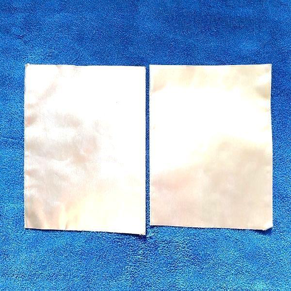 2枚の導通の無いアルミテープ