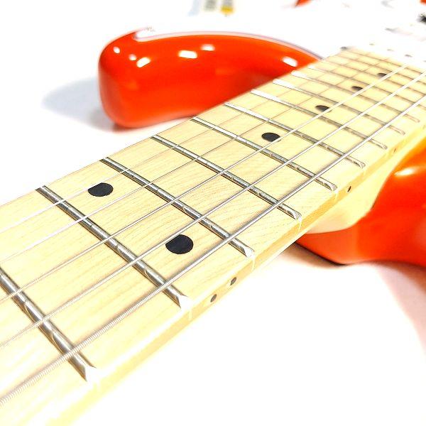 PLAYTECH ST250SSH Maple 弦高