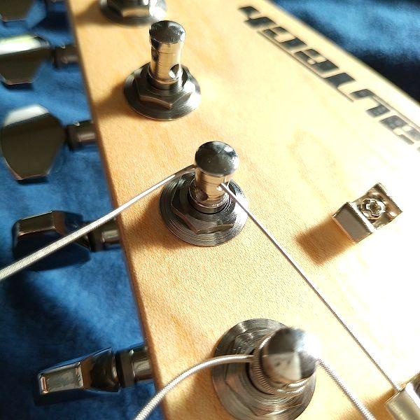E-Z-LOK 弦の取り付け方1