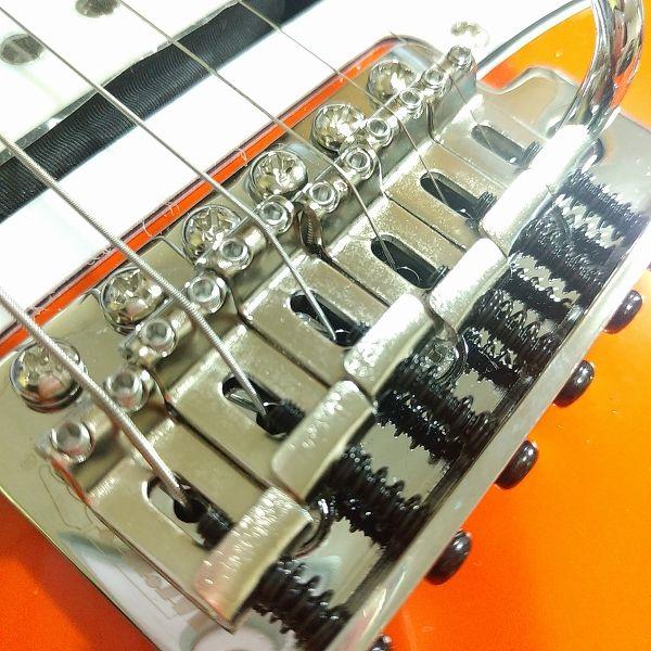 YJB PARTS 弦高調整イモネジ ステンレス ミリ規格 8mm 搭載後ブリッジ 斜めアングル