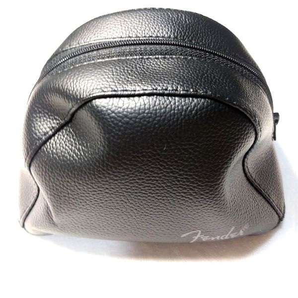 Faux Leather Pouch 外観