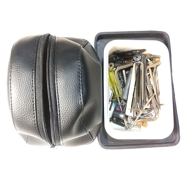 Faux Leather Pouch 収納例