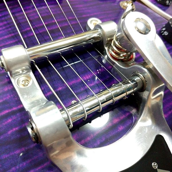 GROTE 335 style with Bigsby ビグスビー