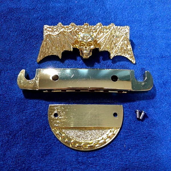 ゴールデン髑髏蝙蝠テールピース テールピースの構造