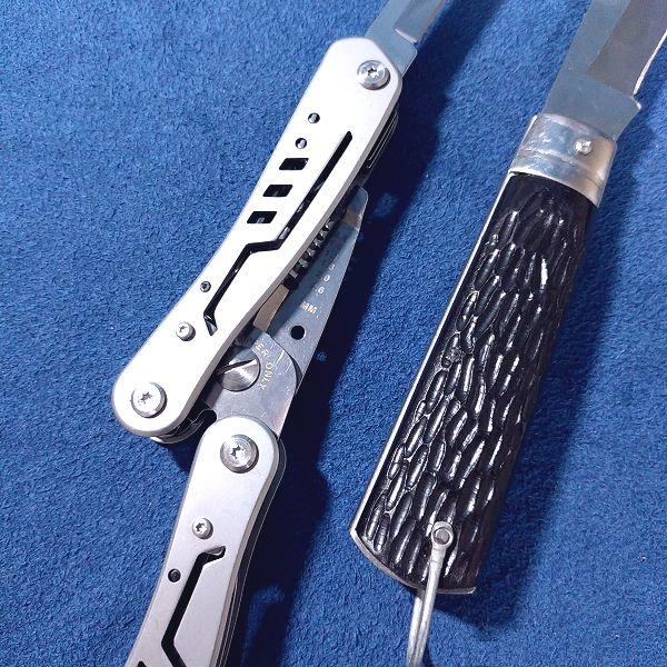 Amazonベーシック マルチツール 電気技師用 ストリッピングプライヤー ナイロンケース付き 10イン1  電工ナイフと比較(柄)
