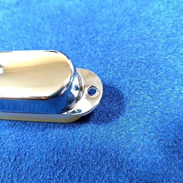シングルコイル用 金属製ピックアップカバー / FENDER純正と比較 取付け部の穴のサイズ