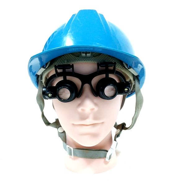Phoenix メガネ型ルーペ 装着 ヘルメット併用 正面アングル