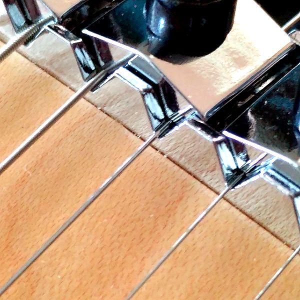 Fender Player Stratocaster Floyd Rose HSS ナット�隙間