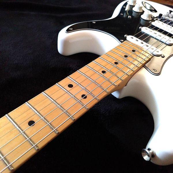 Fender Player Stratocaster Floyd Rose HSS フレット2